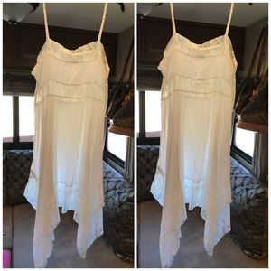 🌸🍀Free People Lace trimmed Slip🍀🌸